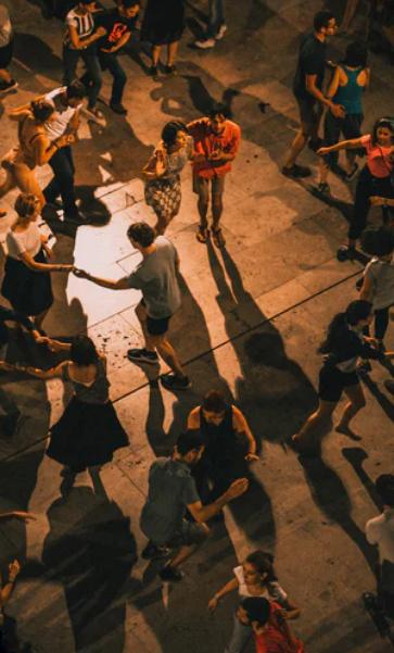 Salsa dancing the Colombian way